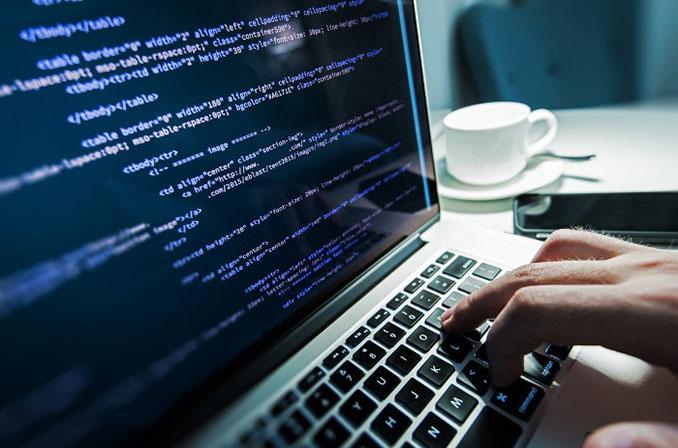 معرفی استراتژیهای مرتبط با Code Review به منظور بهبود پرفورمنس نرمافزار