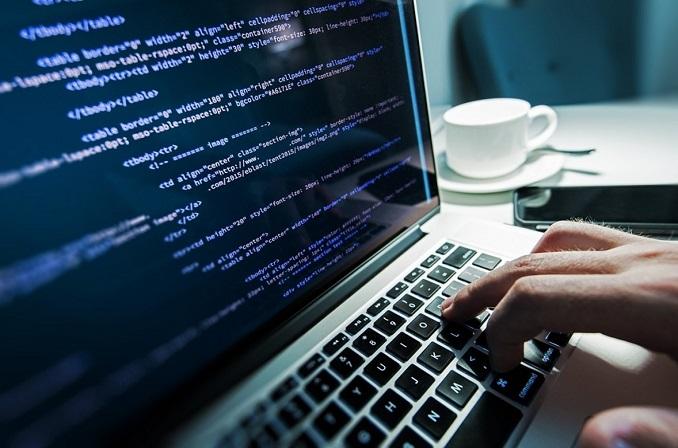 لزوم یادگیری برنامه نویسی از زبان بزرگان IT
